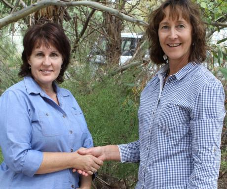 Cathy Semmler from Murrumbidgee Irrigation with new Irrigation Areas Local Landcare Coordinator Kerri-Anne Keely